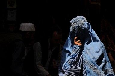 100810_afghan_women
